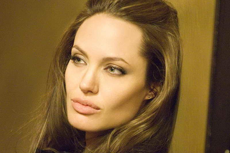 Особо опасен Анджелина Джоли