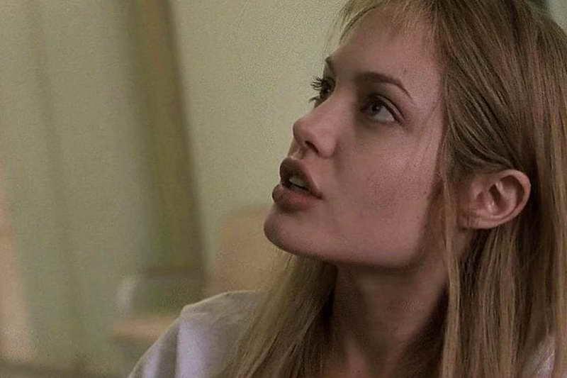 Прерванная жизнь Анджелина Джоли