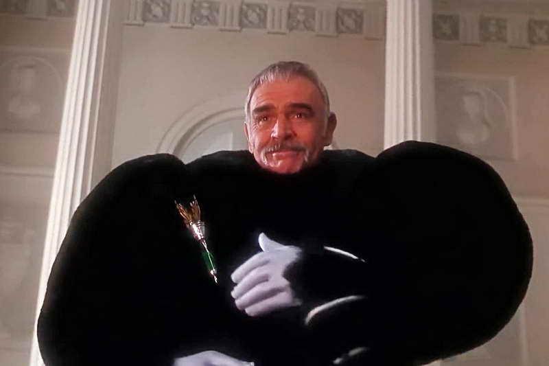 Шон Коннери в костюме мишки из Мстителей 1998
